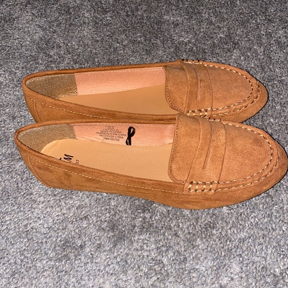 H&M Suede Loafers - Tan Size 37. Never Worn